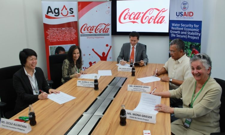 (L-R) Coca-Cola Foundation Philippines President Cecile Alcantara, USAID/Philippines Mission Director Gloria D. Steele, Coca-Cola Philippines President Diego Granizo, PBSP Board Member Roberto Umali, and USAID Be Secure Project Chief of Party Mona Grieser sign the MOU that will enable more Filipinos to access safe drinking water.